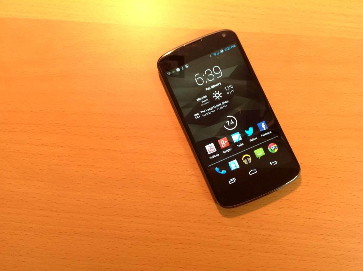 Nexus 4 Hero